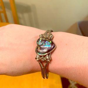🌻 3/$15 Iridescent heart cuff bracelet
